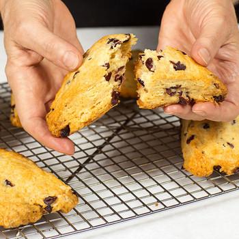 手抓薄荷蔓越莓烤饼