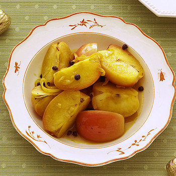 Braised Apples with Saffron and Cider