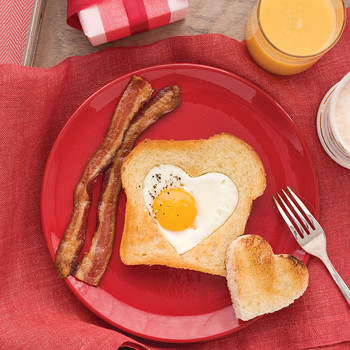 Host a Dreamy Valentine's Day Breakfast in Bed