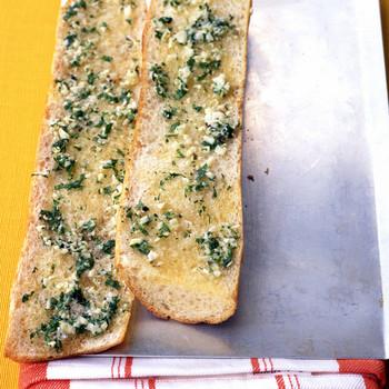 Easy Crisp Garlic Bread
