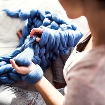 arm-knitting with yarn