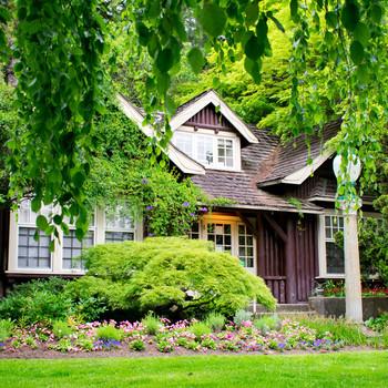 log exterior home with garden