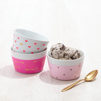 DIY Valentine's Day Ice Cream Bowls