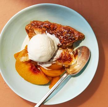 peach pot pie recipe slice