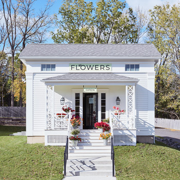 flower store on farm in upstate New York