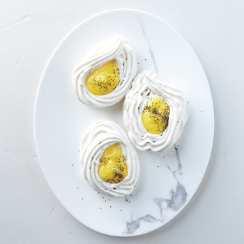 Egg-Shaped Meringue Nests