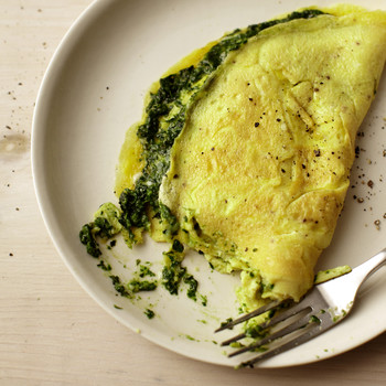 Classic Omelet with Spinach-Basil Pesto