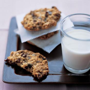 Chocolate-Raisin Oatmeal Cookies