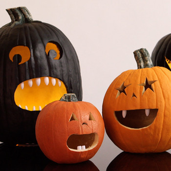 Toothy Pumpkin Halloween Decor
