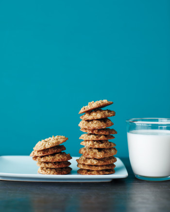 maple-oatmeal-cookies-med108019.jpg