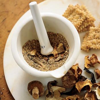 Wild Mushroom Crackers