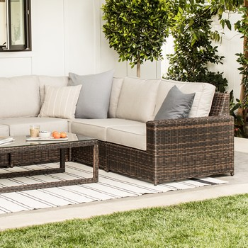 Youu0027ll Never Guess What This Chic Outdoor Furniture Is Made From