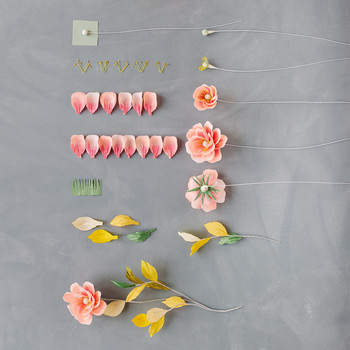 making crepe paper flowers