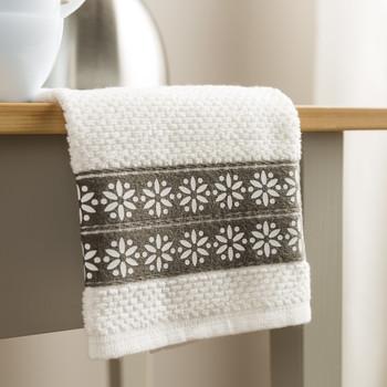daisy border towel