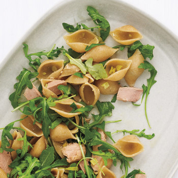 Whole-Wheat Shells with Tuna and Arugula