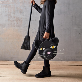 black cat treat bag for Halloween