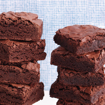 What's the Difference Between Cakey Brownies and Fudgy Brownies?