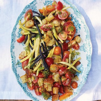 Tomato and Wax-Bean Salad with Olive-Oil Croutons