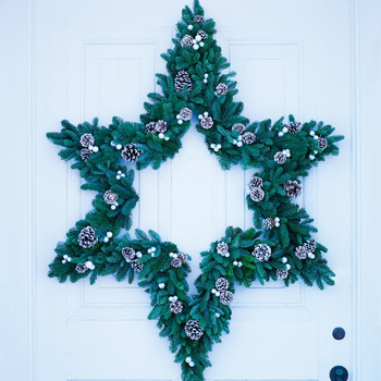 Star Wreath with Glitter-Dusted Pinecones and Baubles