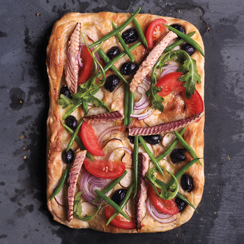 Nicoise-Salad Pizza