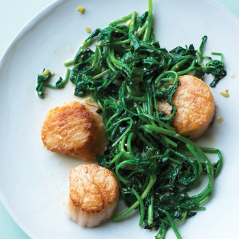 Scallops with Sauteed Watercress and Ginger
