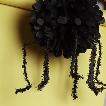 spider-decor-hanging-paper