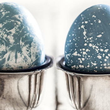A Brilliantly Blue Natural Easter Egg Dyeing Technique -– Two Ways!
