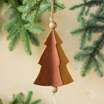 3 Easy Steps to Make This Teeny-Tiny Christmas Tree Ornament