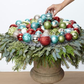 Ornament Wreath Urn