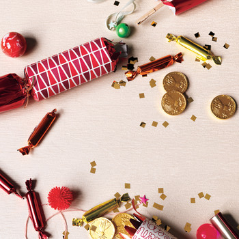 Christmas Crackers: Make Your Holiday Pop With Surprises