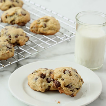 Soft Chocolate Chip Cookies Video