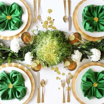 圣帕特里克日健康绿色午餐桌设置