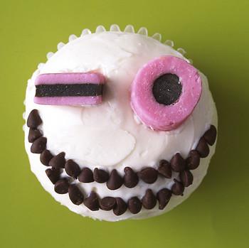 creepcake cupcakes wink