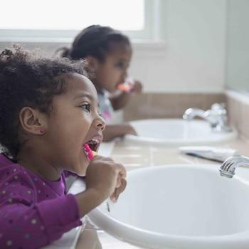 healthy kids brushing teeth