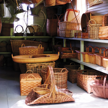 Baskets: The Perfect Foundation for Rustic Thanksgiving Crafts