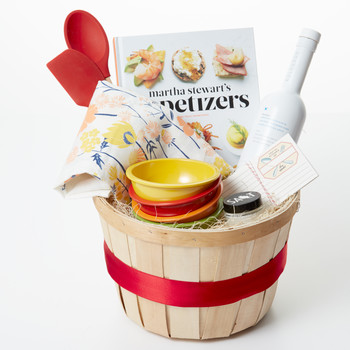 7 Handy Easter Basket Ideas for the Master Chef