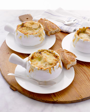 Onion Soup Recipes: From the French Classic to Rich Cheeseless Versions You Might Not Have Heard Of