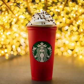 快点!星巴克的杯子是提供免费可重用的节日