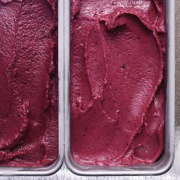 blueberry-buttermilk-sherbet-02-md110161.jpg