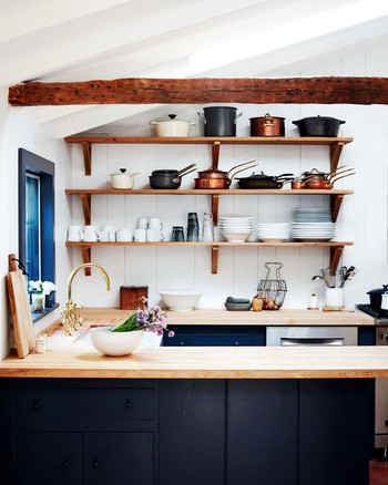 carolyn murphy home kitchen open shelving counters