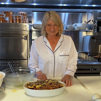martha stewart making bread pudding