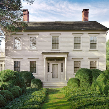 exterior of martha stewarts turkey hill colonial home