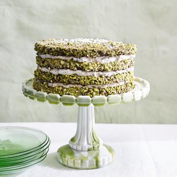pistachio cannoli cake