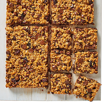 chocolate-cherry granola bars