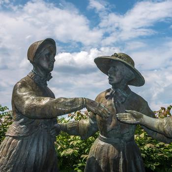 feminist statue seneca falls
