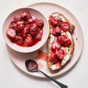 Strawberry-Goat Cheese Tartine
