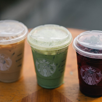 assorted starbucks drinks without straws