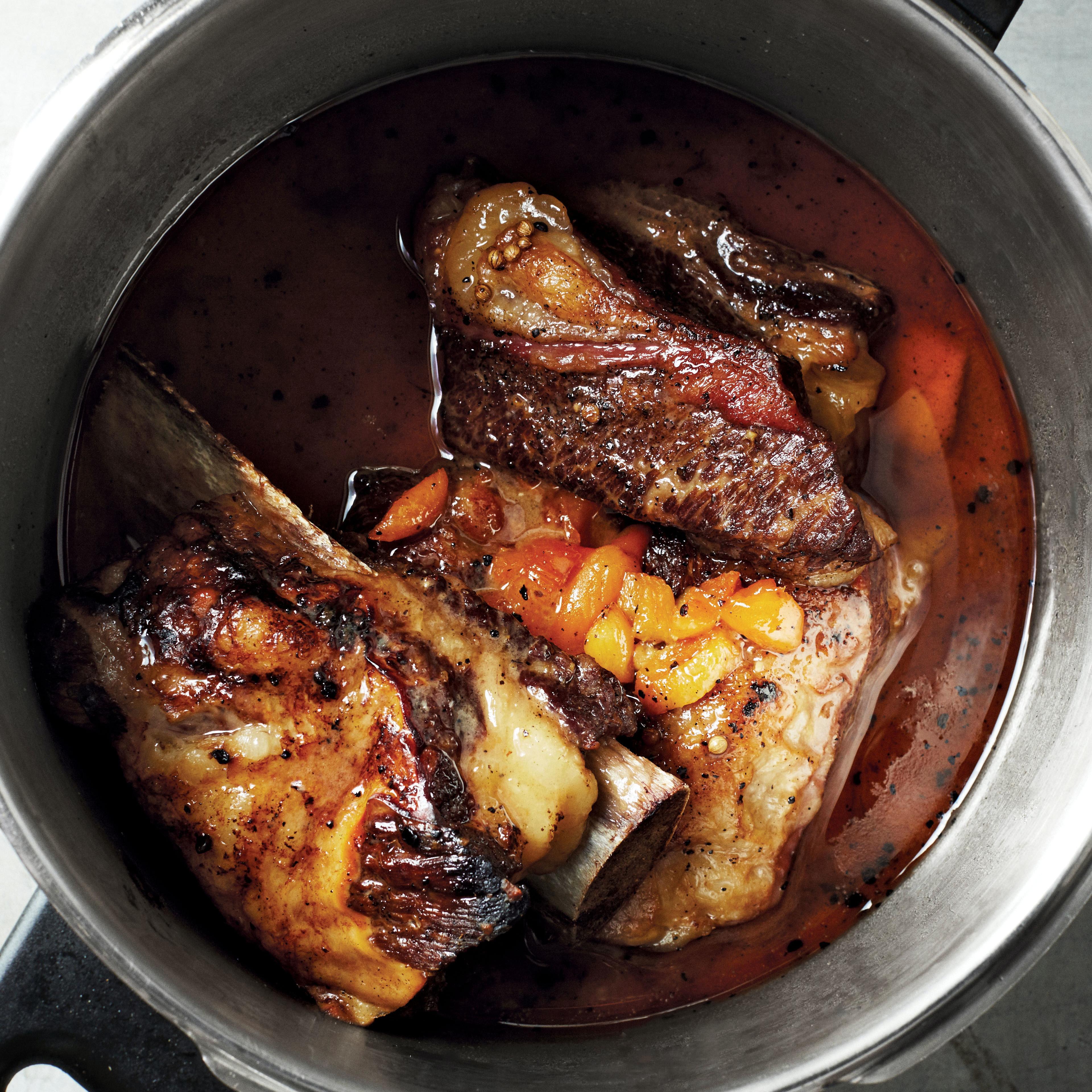 pressure cooker miso apricot short ribs pot