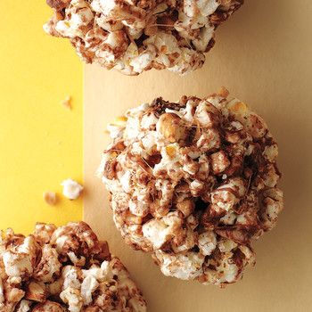 16 Delicious Ways to Have a Ball for March Madness