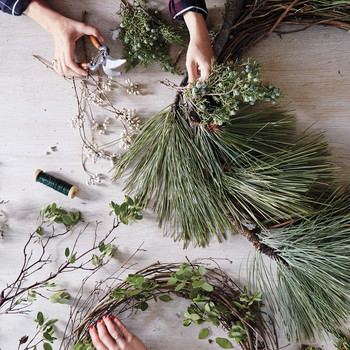 How to Make a Wreath in Any Style